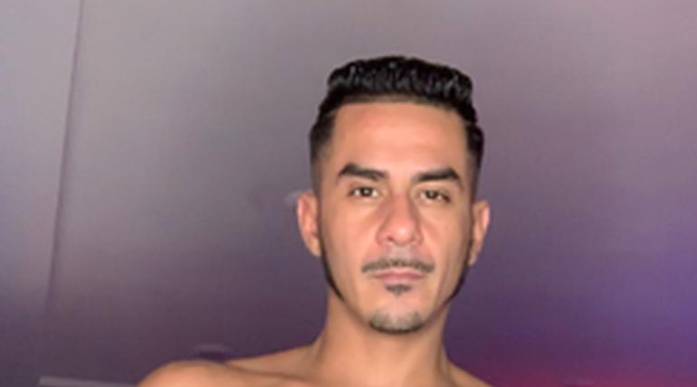 Cesar Xes in Latin Loads 3